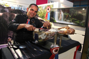 Agustín Risueño Cortador de Jamón y de Cecina