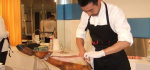 Concurso de cortadores de jamón ibérico en Japón