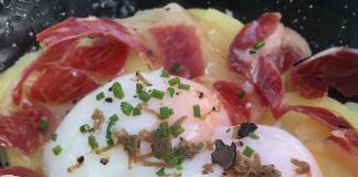 Huevo a baja temperatura con patatas y jamón ibérico