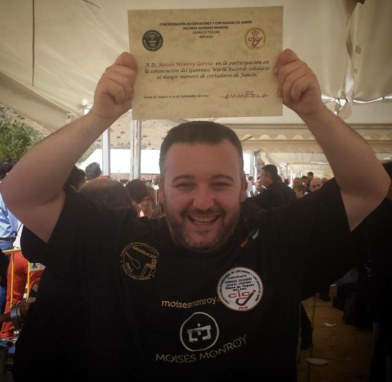 Moisés Monroy García Récord Guinness Solidario Cortadores de Jamón