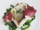 Merluza con verduritas y jamón ibérico