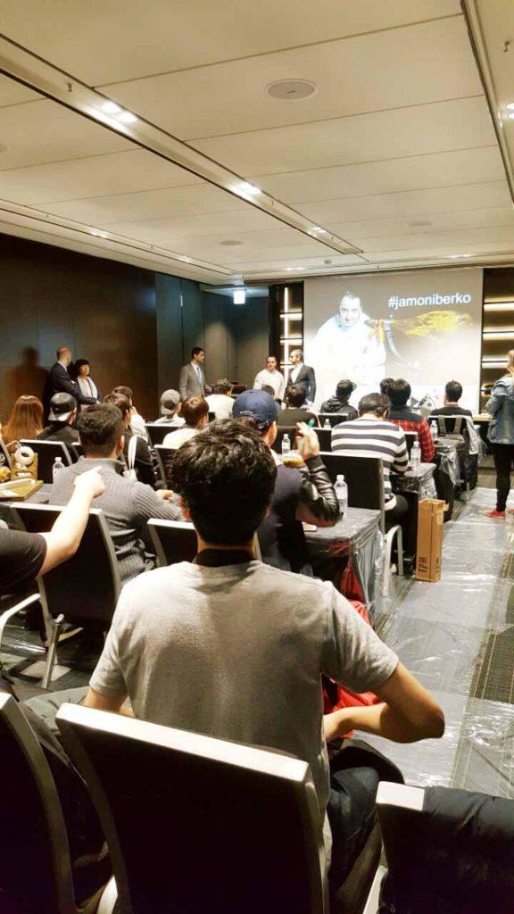 Curso de corte y aprovechamiento de Jamón en Corea, Iberko y José Sol