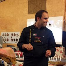 La limpieza previa al corte y empiece del jamón como estrategia. Master Class de Pablo Montiel Enríquez en Chiclana