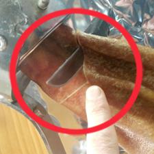 El corte de la paleta: Utensilios, partes y huesos, colocación en jamonero y primera incisión en la paletilla