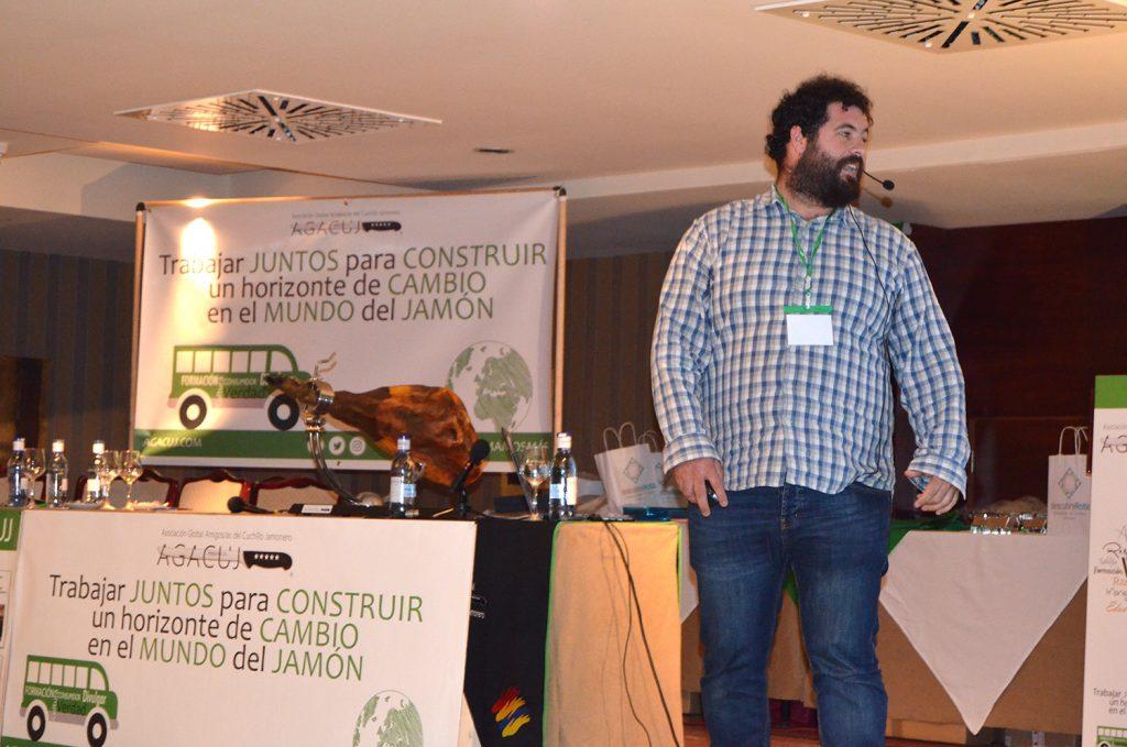 II Jornada Formativa sobre el Jamón de la mano de AGACUJ: Salvador Morillo, prevención y autotratamiento de lesiones en la práctica diaria