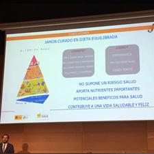 El jamón como componente de una dieta equilibrada por Mario Estévez