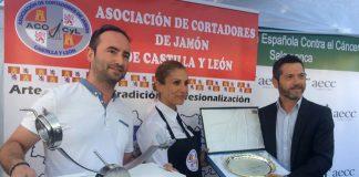 Silvia Sánchez Andrada gana el I Concurso Regional de Cortadores de Jamón de Castilla y León