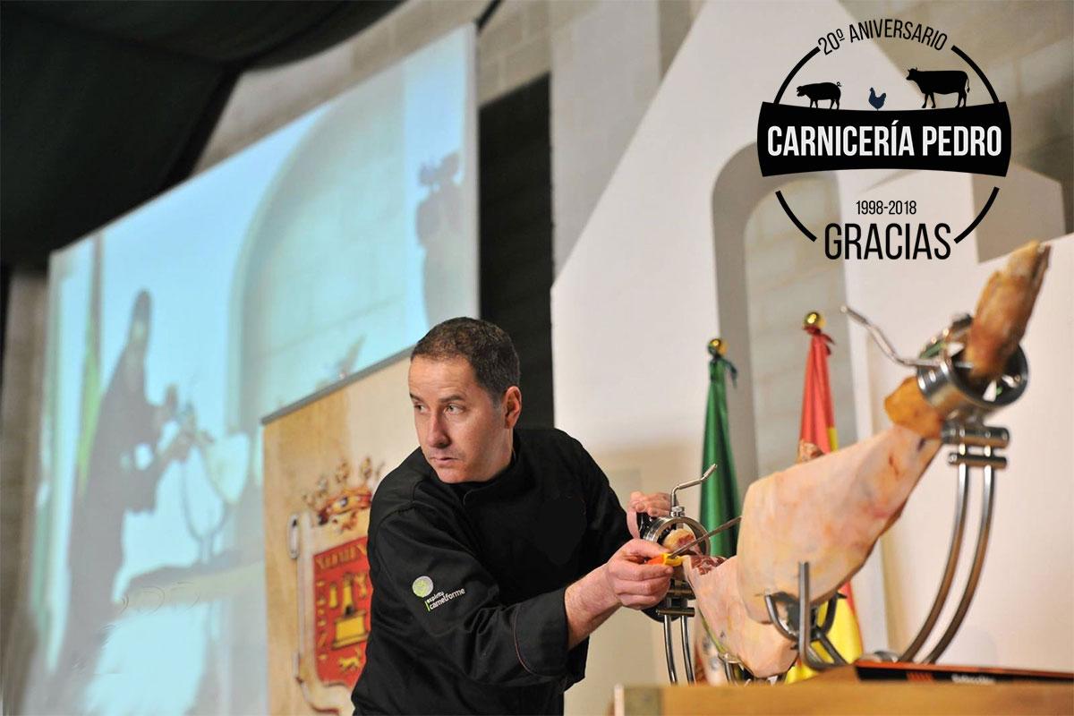 30 Grandes Cortadores de Jamón se darán cita mañana en Puebla de la Calzada